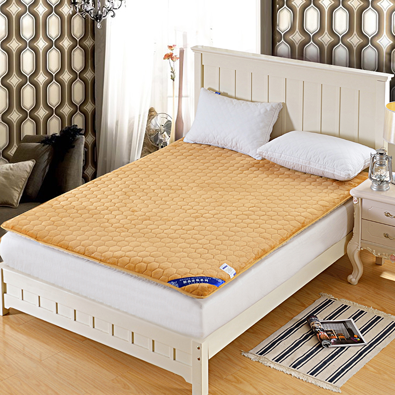 科含床垫         2016法莱绒水立方床垫