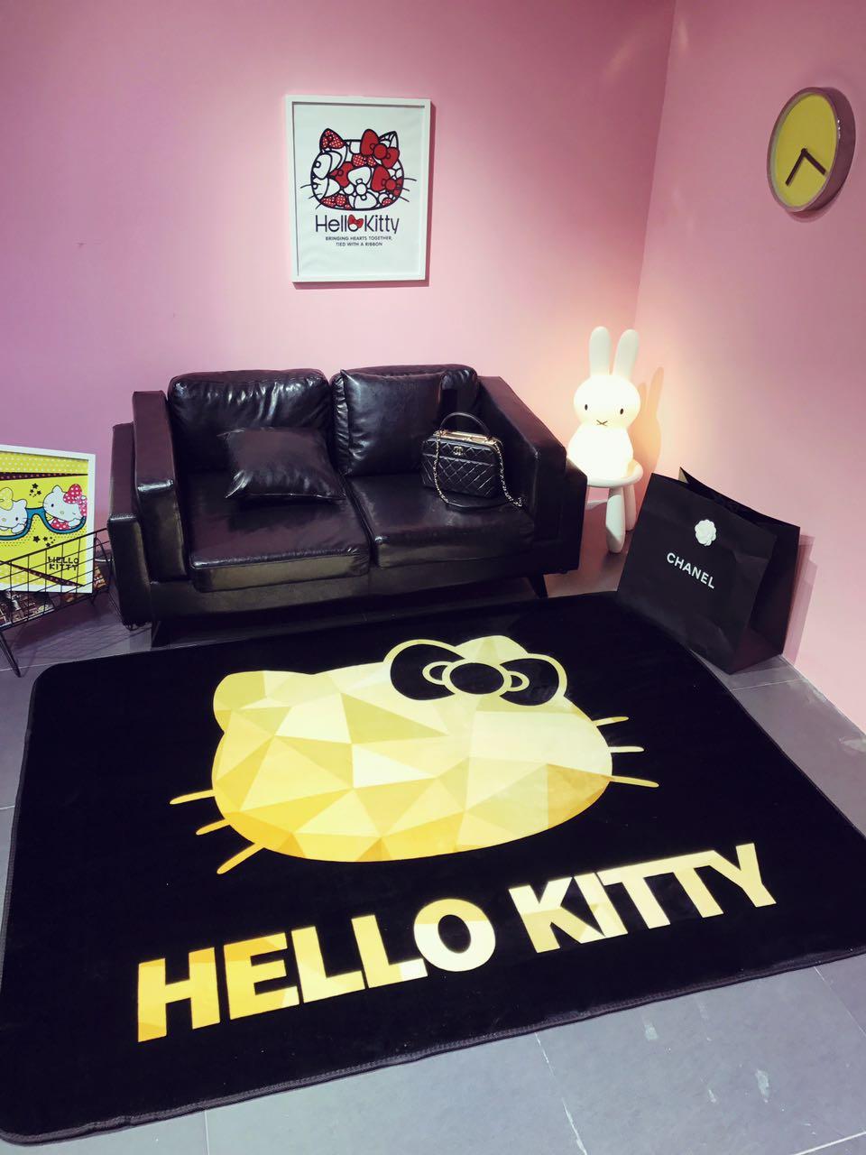 正版Hello Kitty黑金logo 圣诞限量版